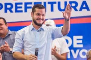Adail Filho se apresenta no MPE após sua prisão ser decretada pela justiça