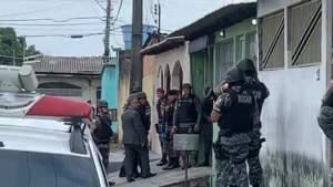 Assaltante se entrega e libera refém em Manaus