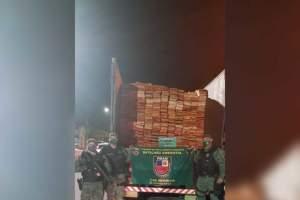Batalhão Ambiental apreende caminhão com madeira ilegal em Manaus