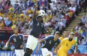 Copa do Mundo tem primeiro pênalti marcado por árbitro de vídeo