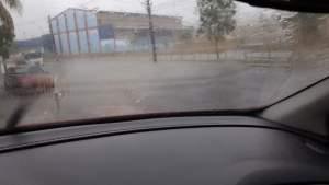 Defesa Civil registra três ocorrências devido a forte chuva deste sábado