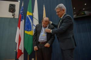 Dom Sérgio Castriani recebe Medalha de Ouro Cidade de Manaus