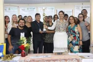 Escola estadual do São Jorge retrata feminicídio para falar sobre monumento de Manaus