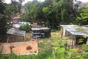 Fiscalização ambiental retira barracos de área verde e de risco no Hileia