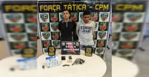 Força Tática detém dupla com arma de fogo e moto roubada em Manaus