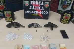 Força Tática detém dupla suspeita de tráfico e porte ilegal de arma de fogo