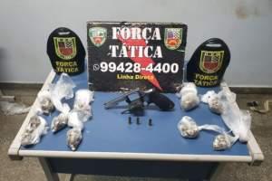 Força Tática detém suspeito com arma e drogas na zona Leste