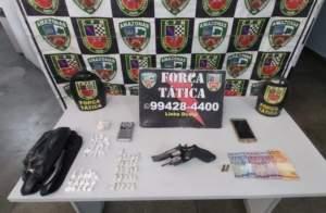 Força Tática detém suspeito com arma e drogas no Petrópolis