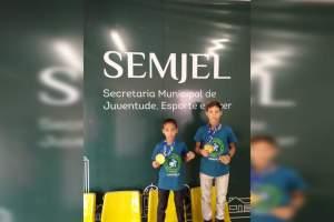 Irmãos são campeões em Sul-Americano de Jiu-Jitsu para Crianças