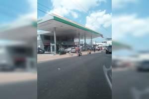 Motorista destrói posto de combustíveis no São Jorge