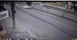 Motorista imprudente atropela atletas durante prova em Manaus