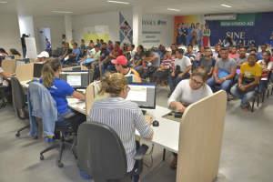 para 38 vagas de emprego nesta segunda-feira (11)