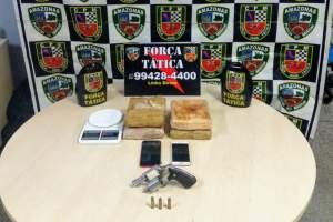 PM detém casal com arma de fogo e drogas no Redenção