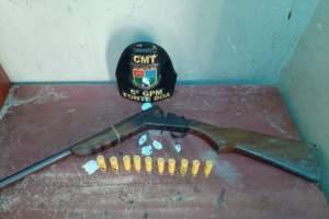 PM detém dupla em posse de arma de fogo e munições em Fonte Boa
