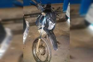 PM recupera motocicleta roubada e abandonada no Valparaíso