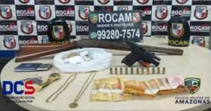 Polícia detêm suspeito com armas e drogas na zona Leste