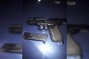 Polícia Militar detém jovens por roubo de veículo na Ponta Negra