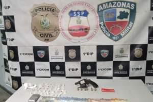 Polícia Militar realiza flagrante em ponto de comércio de drogas em Maués