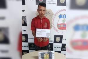 Polícia prende jovem com 61 trouxinhas de drogas no bairro Jorge Teixeira