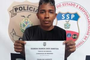 Polícia prende jovem e apreende adolescente com porções de drogas