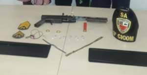 Policiais da 3ª Cicom detém trio com arma caseira e drogas em Petrópolis