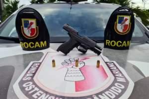 Policiais da Rocam apreendem pistola na zona Norte
