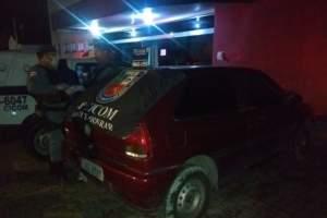 Policiais localizam veículo com restrição de roubo na zona Leste