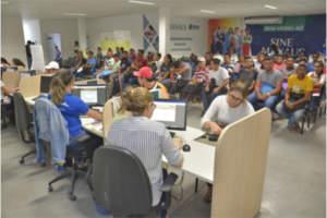 Prefeitura seleciona candidatos para 30 vagas de emprego nesta terça-feira (13)