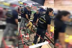 Procon-AM apreende quase 45 kg de alimentos fora de validade e com embalagens violadas