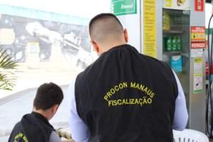 Procon Manaus multa 24 postos de combustíveis por aumento abusivo