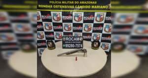 Rocam detêm suspeito com arma caseira e veículo adulterado na zona Leste