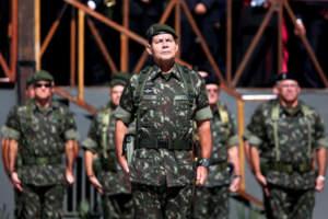 Temer deve exonerar general Mourão do Mínistério da Defesa
