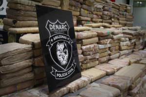 Trio é preso com 400 kg de maconha skunk no bairro Flores