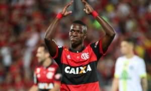 Vinícius Júnior rebate críticas de Abel Braga após o Fla x Flu