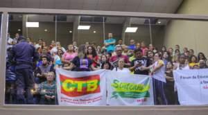 Wilson Lima sai vitorioso e servidores ameaçam greve